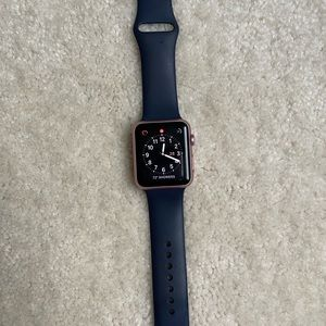 🚫SOLD🚫 Apple Watch series 1 42mm rose gold